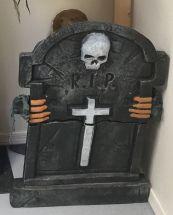 tomb-lifter